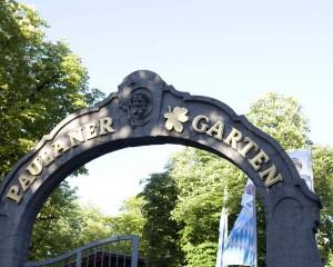 Portão da cervejaria Paulaner, na Baviera.
